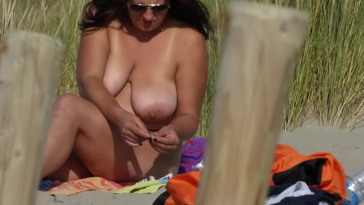 Massive beach tits