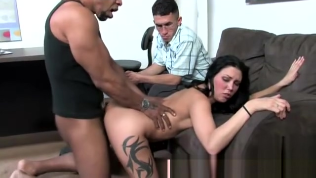 Slutty interracial babe gets a cumshot