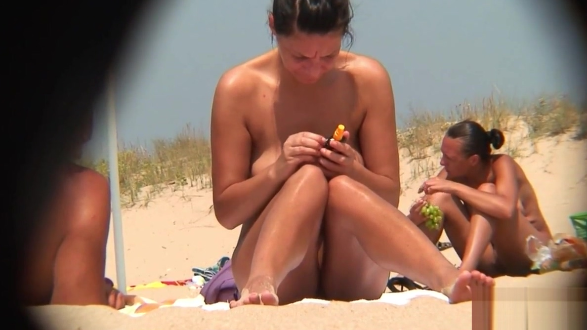 Hot LATINA Nudist Close-Up Pussy Beach Voyeur Video
