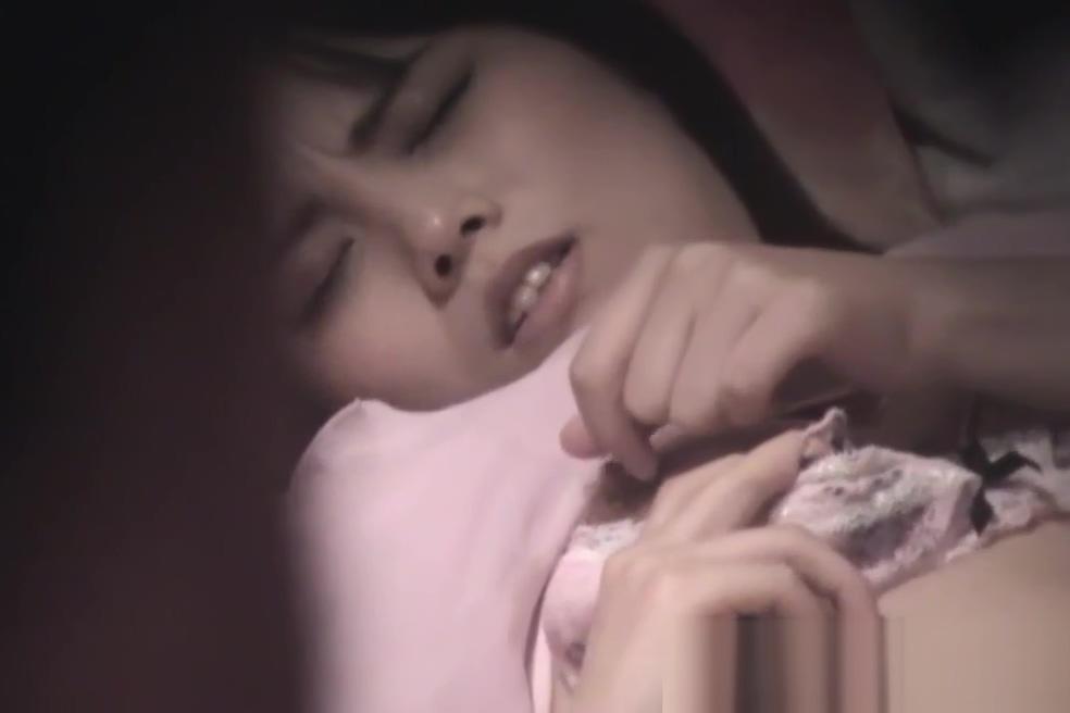 Hot asian whore rubbing