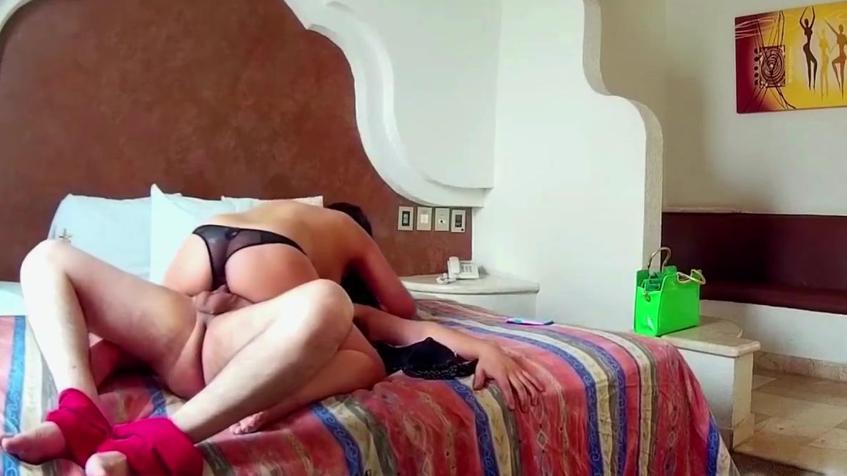 Mexicana en motel es grabada y ni cuenta se dio