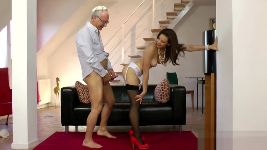 Housewife Strips Down To Stockings And Gets Plowed