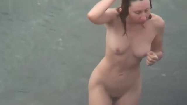 GREAT MIX OF WOMEN AT A NUDIST BEACH CAUGHT ON SPY CAM
