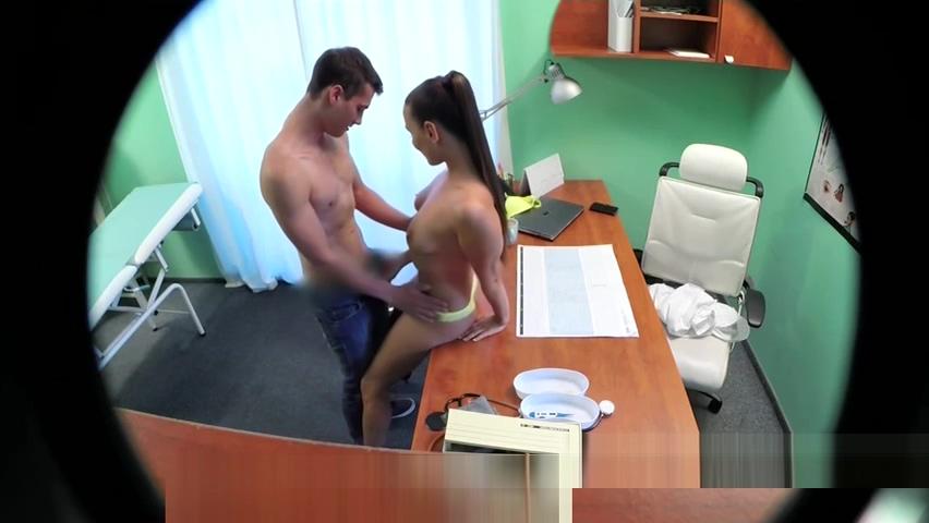 Young dude fucks sexy nurse
