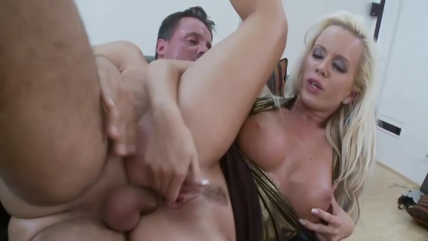 Mature Bitch Cindy Dollar Having Anal Sex On The Couch