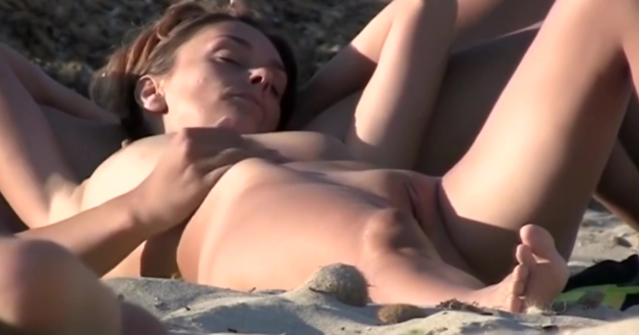 girl show us her shaved pussy at public beach 3