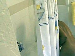 Mature Washing Voyeur