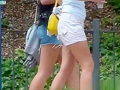Pretty Girls in Sexy Shorts