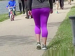 Tight pink leggings