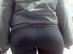 Ass in tights for the voyeur museum