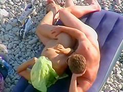 Discreet way to fuck on the beach