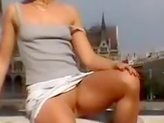 Upskirt Video Girl with No Panties Flashes Pussy in Public