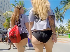 Curvaceous British tourist makes her large buttocks bounce