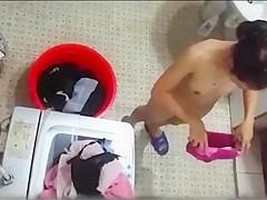 Spying on Thai neighbor taking a bath outside