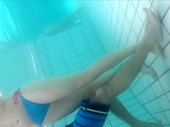 Underwater cams in the pool catch sexy maidens in bikinis fooling around