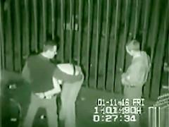 Amateur threesome sex in the dark alley