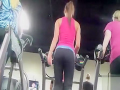 Hot female booty in the gym