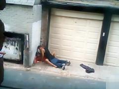 Nasty hooker pleasures her client in an alley
