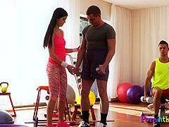 Gym babe sucks dick while cockriding