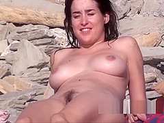 Amazing Sexy Body & Ass Nudist Lady Spied At The Beach
