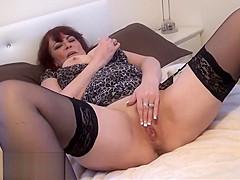 Granny voyeur amateur masturbates and shows off old pussy
