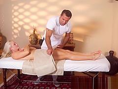 Massage loving beauty pussyfucked by masseur