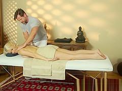 Bigtits babe fucked hard during massage