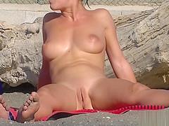 Nude Milfs Shaved Pussy Close Up Beach Spycam Voyeur HD