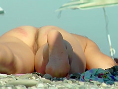 Voyeur Nude Beach Babe Close-Up Back And Front Pussy