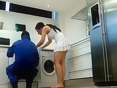 Hidden Cam Dangerous Woman, Plumber Was Captivated