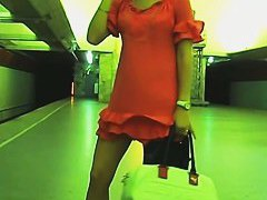 Real upskirt video of sexy college girl waiting for train