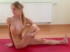 naked yoga - Nackt Yoga
