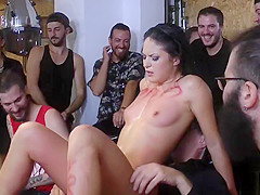 Petite Euro slut banged at hairdressers