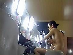 Voyeur camera sneak into a ladies bath