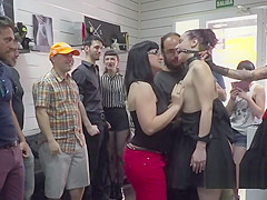 Spanish slave and mistress in public