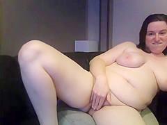 juicy chubby girl on cam