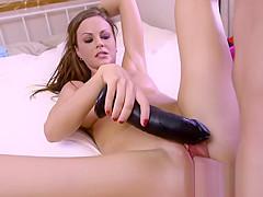 Natural huge tits babe bangs voyeur roomie