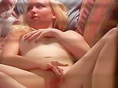 She Masturbate (window Voyeur)