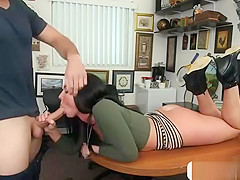 bigass babe Brittany shae shows what shes got