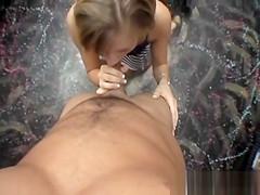 An amaetur is tasting dick