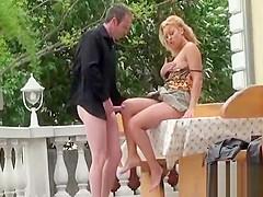 Voyer scene of kinky babe