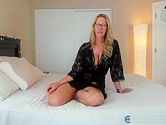 Foxy PAWG Milf Jess Ryan On Live Web Cam