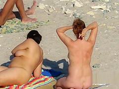 Public Beach MILF Mature Spycam Compilation-