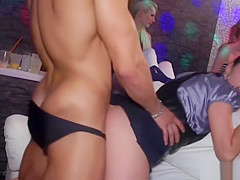 Doublepenetration amateurs at european orgy