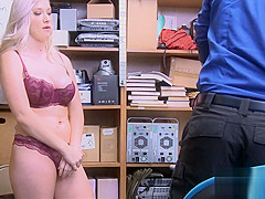 Guard fucks curvy babe after strip search